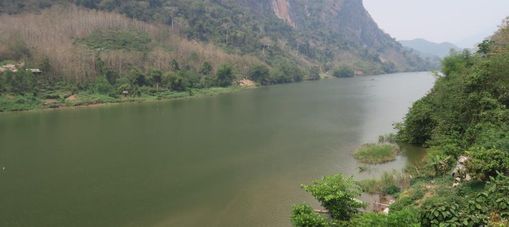 vue du pont depuis Nong Khiaw