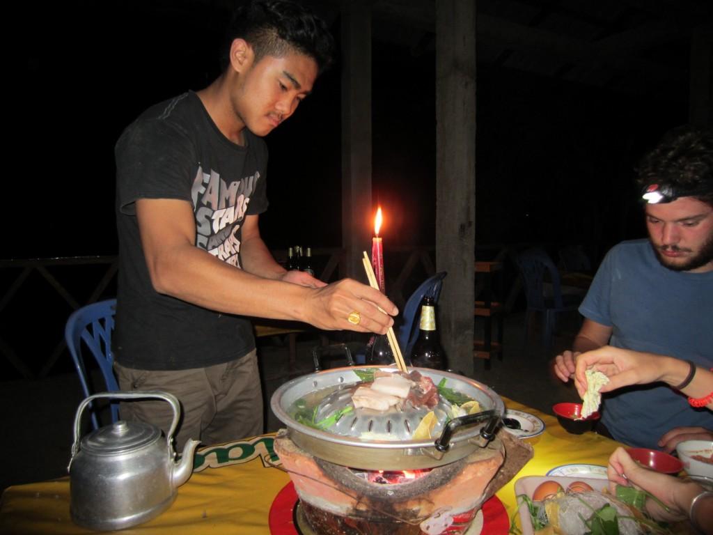 restaurant barbecue en visitant muang khua